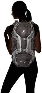 frau-mit-deuter-rucksack