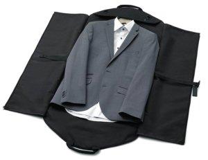kleidertasche-mit-anzug