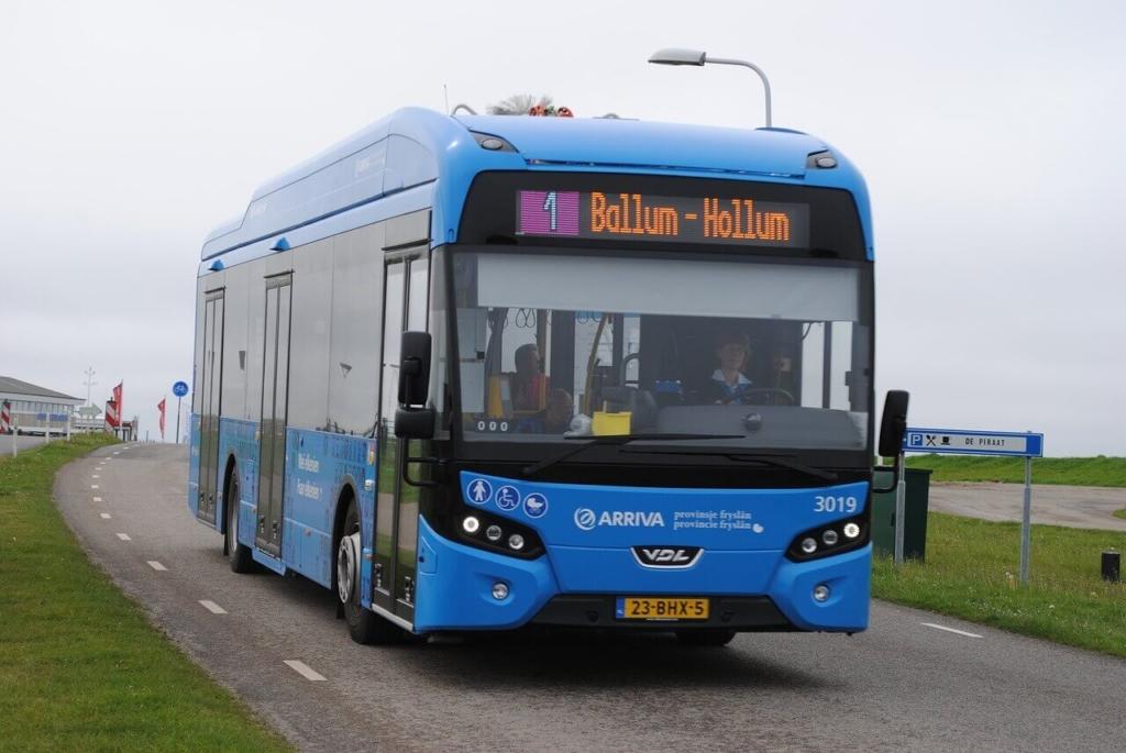 blauer-bus